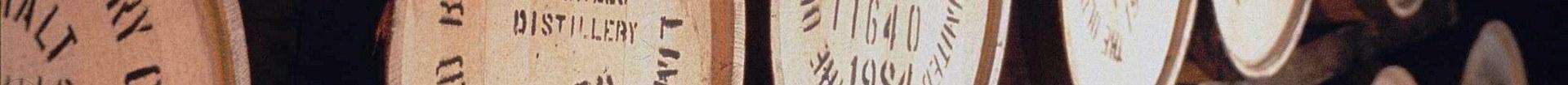 7022121-barrels-whisky